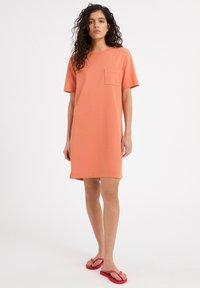 ARMEDANGELS - KLEAA - Jersey dress - burned mandarin - 1