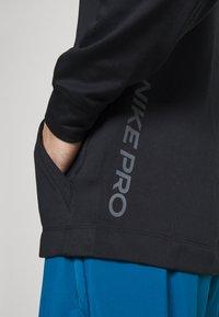 Nike Performance - Luvtröja - black/iron grey - 4