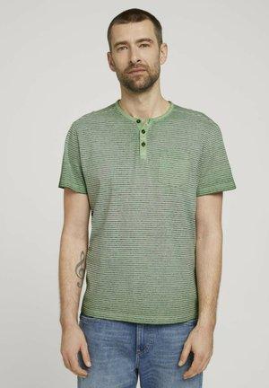 Print T-shirt - mint green printed stripe