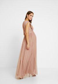Anaya with love Maternity - GATHERED V FRONT MIDI DRESS - Vestido de fiesta - pearl blush - 2