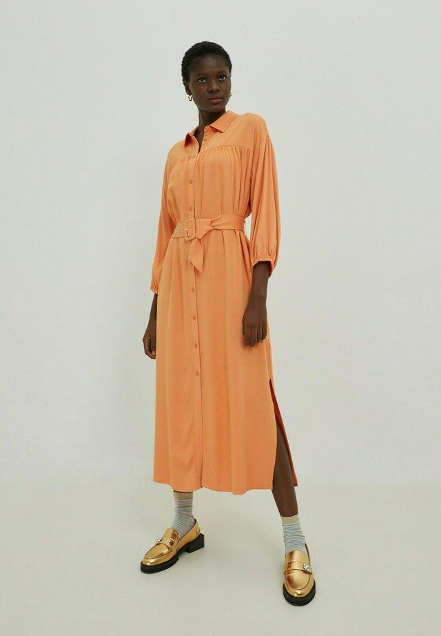 NINA - Shirt dress - orange