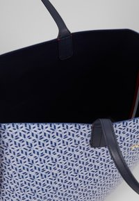Tommy Hilfiger - ICONIC TOTE MONOGRAM - Tote bag - blue - 2
