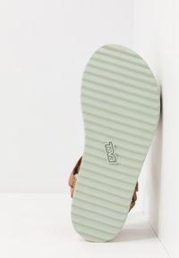 Teva - MIDFORM ARIVACA WOMENS - Chodecké sandály - aviles chipmunk - 4