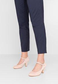LAB - Classic heels - make-up - 0