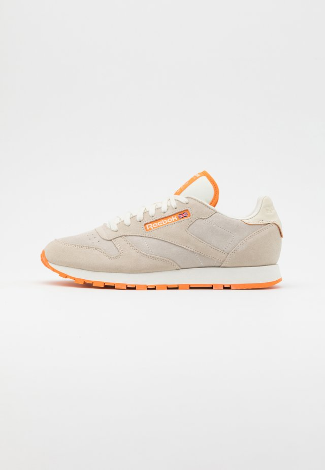 UNISEX - Sneaker low - alabaster/chalk/hi vis orange