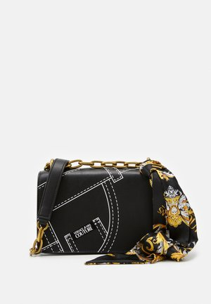 CROSS BODY FLAP CHAINCUCITURE - Olkalaukku - nero