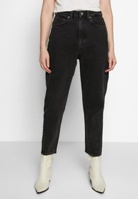 Weekday - MEG HIGH MOM WASHED BACK - Jeans Straight Leg - washed black - 0
