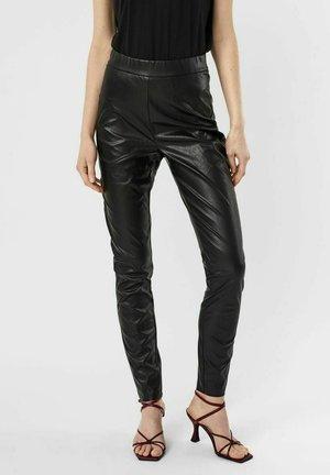 Pantalón de cuero - black