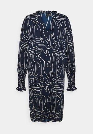 VMJACKY V NECK DRESS - Denní šaty - night sky