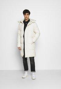 TOM TAILOR DENIM - MODERN PUFFER COAT - Winter coat - smoke white - 1