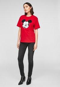 s.Oliver - KURZARM - Print T-shirt - red - 1