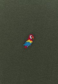 REVOLUTION - REGULAR - Basic T-shirt - army - 2