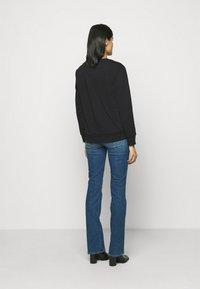 DKNY - STACKED LOGO  - Sweatshirt - black - 2