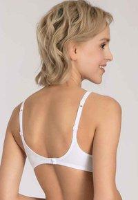 Triumph - EILEEN N - T-shirt bra - white - 2