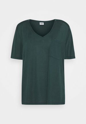 IRIS POCKET TEE - Basic T-shirt - forest