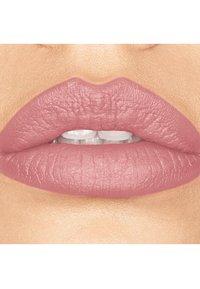 bareMinerals - GEN NUDE MATTE LIQUID LIPCOLOR - Liquid lipstick - smooch - 1
