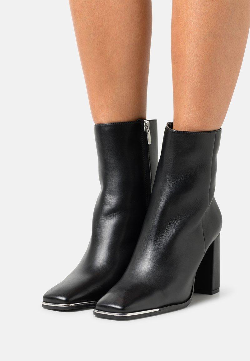Copenhagen Shoes - CITY - Stivaletti - black