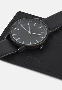 Zign - UHR CARD HOLDER /VISITENKARTENETUI GESCHENK SET /GIFT SET - Horloge - black - 5