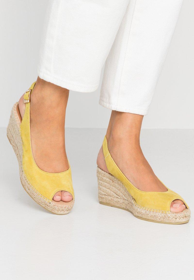 Kanna - BASIC - Platåsandaler - amarillo