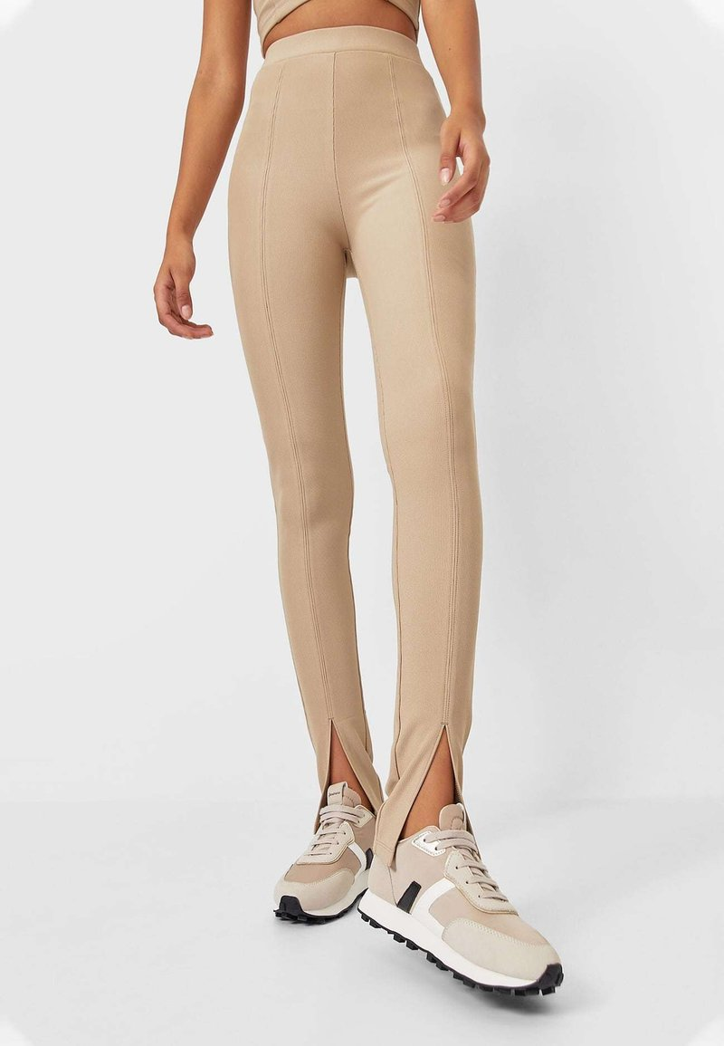 Stradivarius - Leggings - Trousers - brown