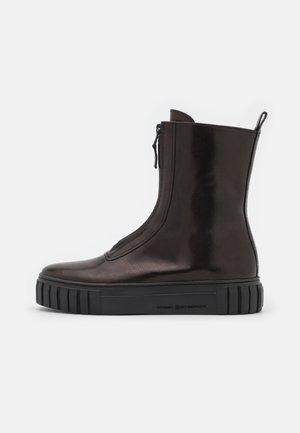 SUN - Kotníkové boty na platformě - schwarz
