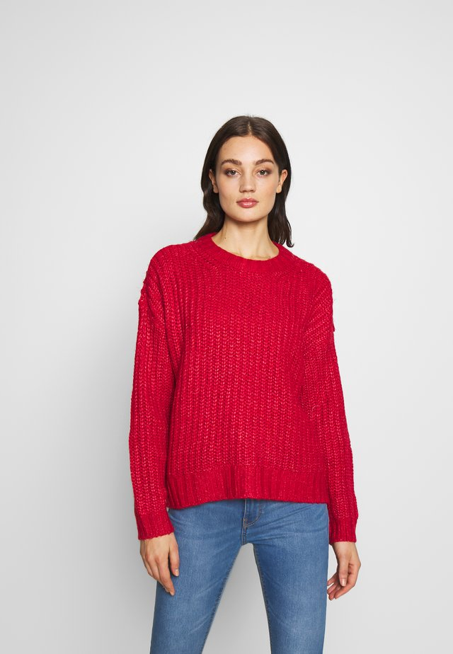SLOUCHY CROPPED CABLE - Jumper - red