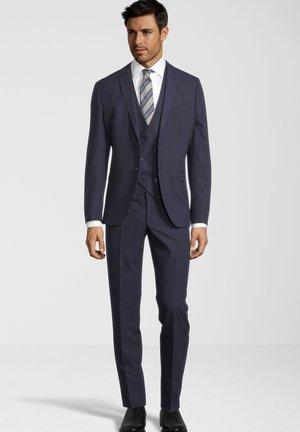 Suit - blau