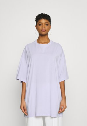 HUGE - Basic T-shirt - lilac
