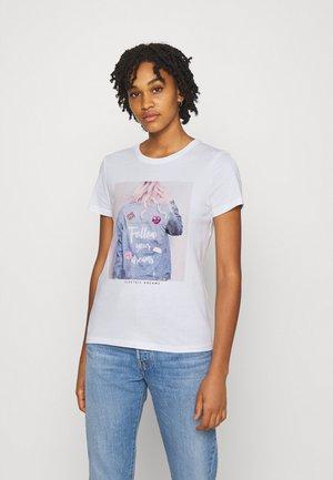 ONLKITA LIFE BADGES BOX  - Print T-shirt - bright white