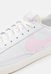 Nike Sportswear - BLAZER - Trainers - white/pink - 7