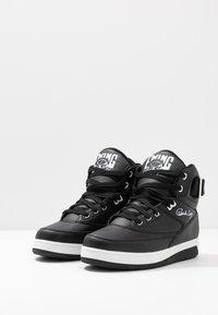 Ewing - 33 HI - Höga sneakers - black/white - 6