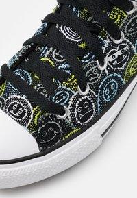 Converse - CHUCK TAYLOR ALL STAR ALL OVER YETI UNISEX - Zapatillas altas - black/azure haze/lemon - 5
