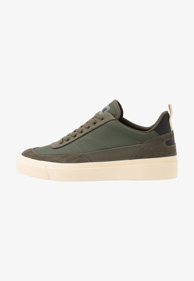 NUMBER THREE - Sneakers basse - olive