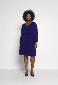 Lauren Ralph Lauren Woman - COOPER LONG SLEEVE DAY DRESS - Shift dress - cannes blue - 1