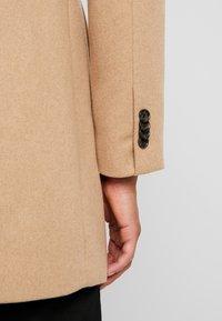 TOM TAILOR - WOOL COAT IUTTONS - Kort kappa / rock - beige wool structure - 5