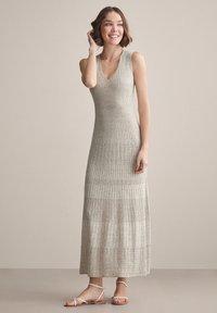 Falconeri - MIT DURCHBROCHENEM MUSTER - Maxi dress - juta - 0