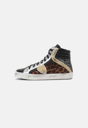 Sneakers high - black/brown