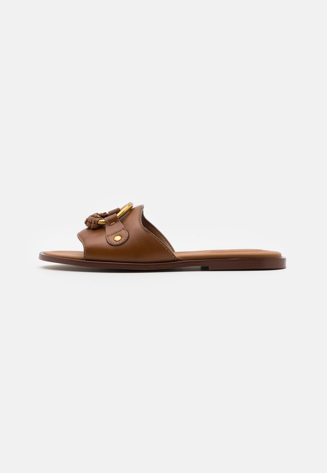 Pantofle - cammello