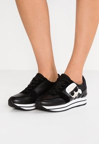 KARL LAGERFELD - VELOCITA IKONIC METEOR LACE - Sneakersy niskie - black - 0