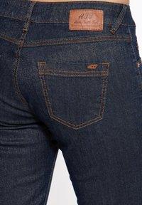 Amor, Trust & Truth - IN GLITZEROPTIK BEL - Slim fit jeans - dunkelblau - 4