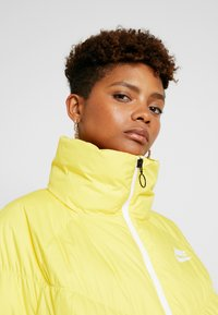 Nike Sportswear - SYN FILL - Winter jacket - chrome yellow/white - 4