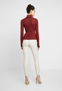 Topshop - MODERN ROLL - Svetr - red twist - 2