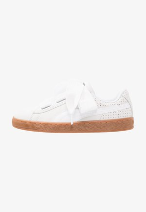 BASKET HEART PERF GUM - Sneakers laag - white
