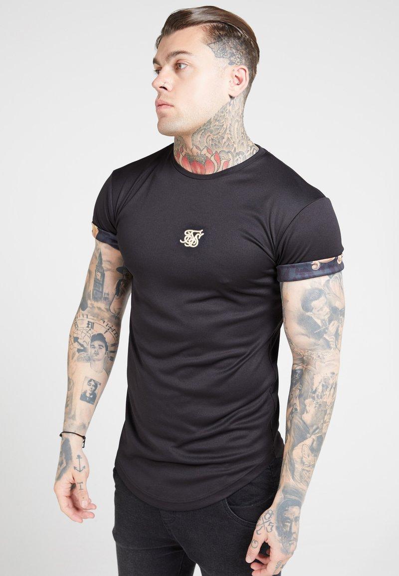 SIKSILK - T-shirt con stampa - black