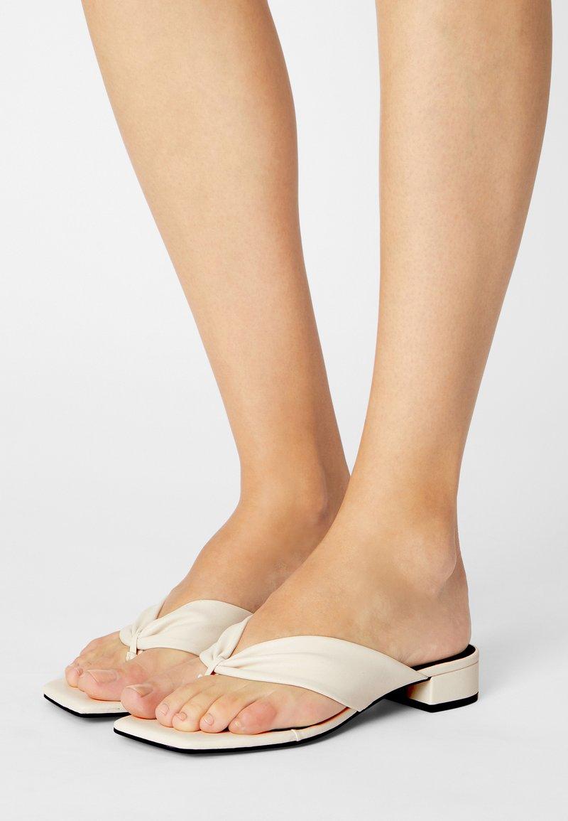 Monki - T-bar sandals - white dusty light