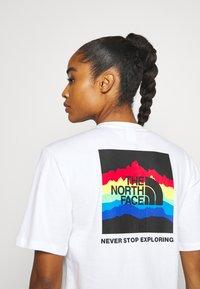 The North Face - RAINBOW TEE - Print T-shirt - white - 3