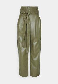 TWINSET - PANTALONE SPALMATO CON CINTURA - Trousers - verde alpino - 0