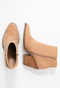 Madden Girl - KLICCK - High heeled ankle boots - camel - 3