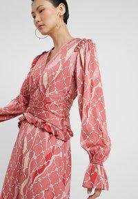 Three Floor - FANTASIST DRESS - Ballkleid - faded rose /tomato red - 3