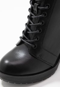 ONLY SHOES - BOO WITH LACES   - Bottines à talons hauts - black